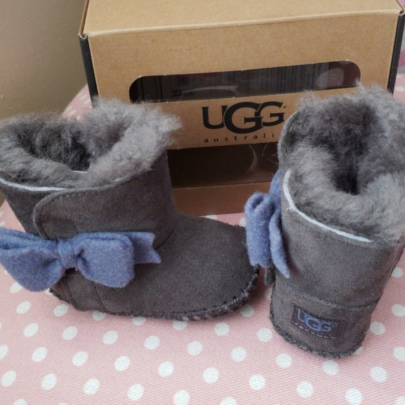 4ce75b1b399 UGG Cassie Bow Boots Grey Size 0/1 NWT